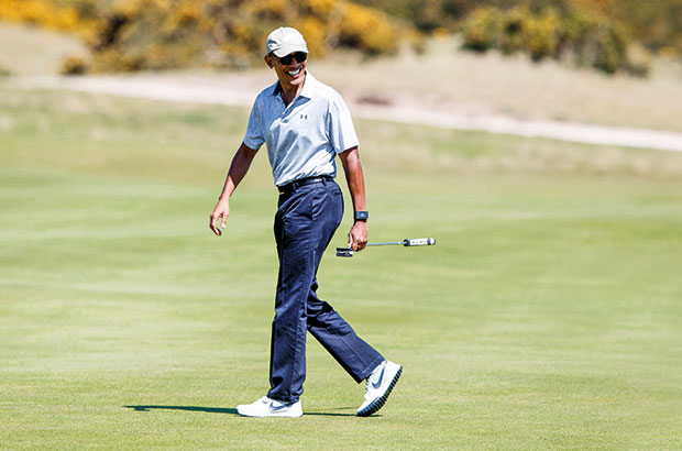 Obama swaps the White House for the Old Course