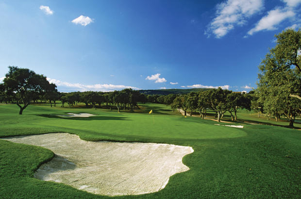 Mauritius is the tropical land for golf