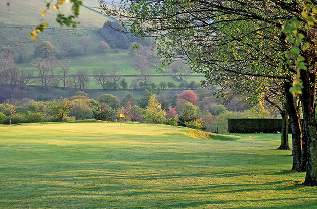 New operator for golf in Peak District